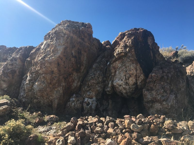Redrum boulder view from the trail.