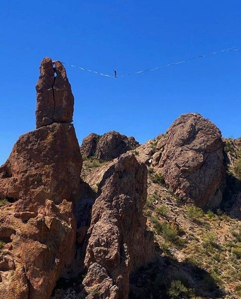 Greever's Needle highline by the Zen Lunatics, 175m long
