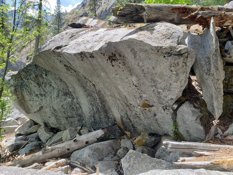From Russia with Love, Lower Bound Boulders