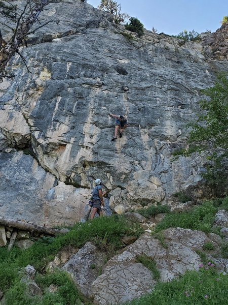 Sam starting up the route with the huge chert features visible about halfway up the route. Great route!