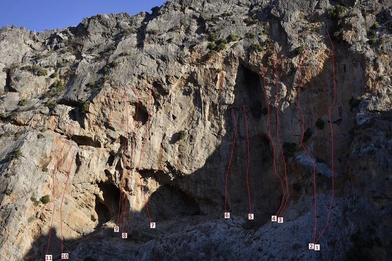 I.NORTH-WEST FACE<br> Here you can climb from the early morning until 3-4 p.m., the crag is in the shade in this time.