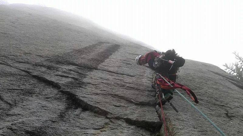 First pitch of my first aid climb. Great fun on a rain day during the Trad Meet '09.