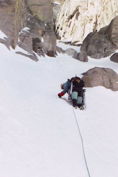 Leader Mike Goldin, Denver, CO. Photo by Dmitry Eremin, Chicago, IL. Couloir just above Broadway, May 27, 2001.