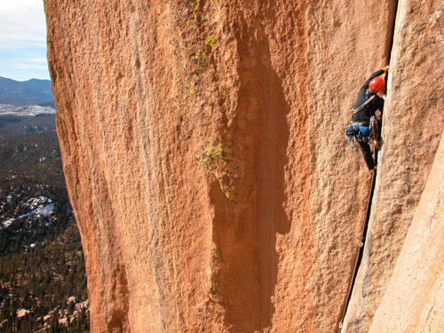 Fighting the steep and unrelenting jams of the second pitch.