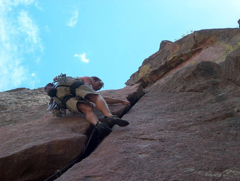 P2: laying back towards the crux (but look for the solid right hand jam just above!)