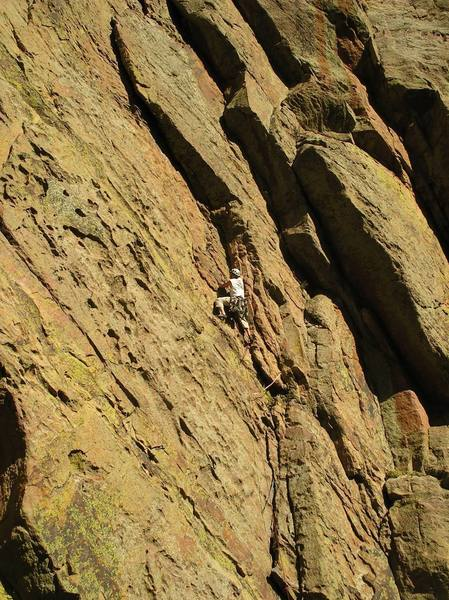 brian leading the 4th&5th pitch as one long 150ft stretch amazing section of rock!!!!