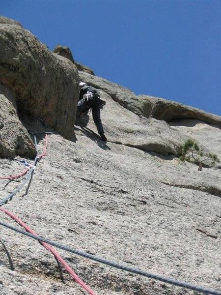 Ivan leads the crux on P1 (the first pitch off Library Ledge, sometimes refered to as the second pitch).