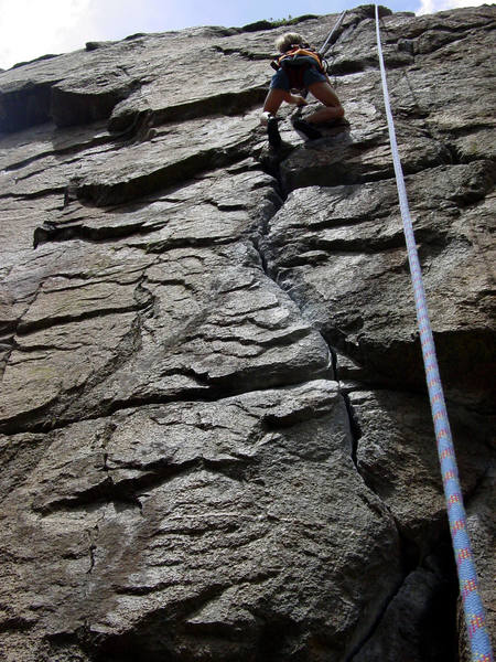 Small climb but very fun to learn cracks on!