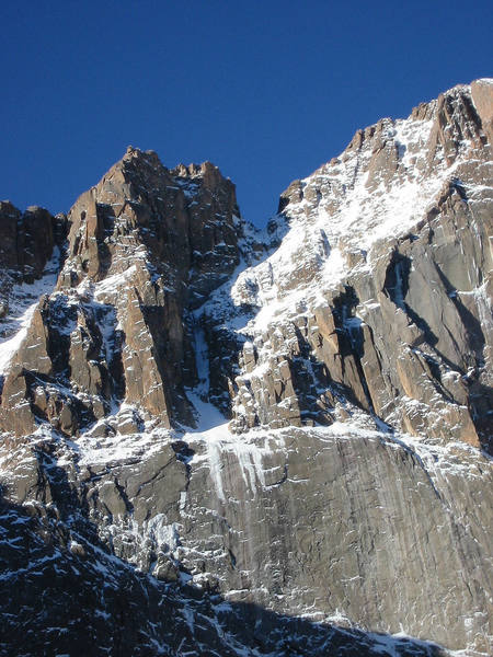 A view of the couloir from Chasm Lake. Take on October 8th, 2004 by Sharpie.