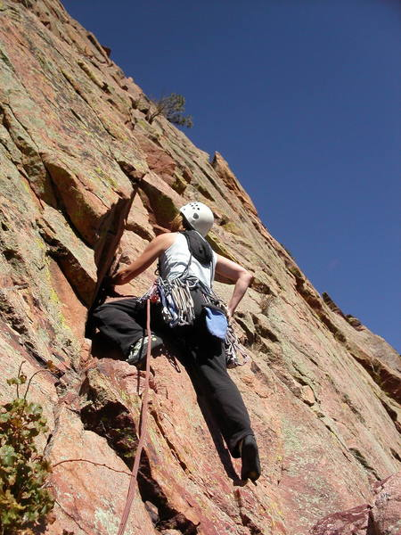 Amy Simper starting up the angling crack on the last pitch.