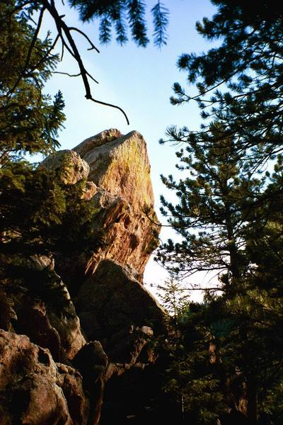 The Overhanging West Face of Alamo Rock