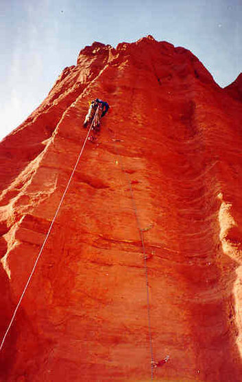 Andrew Gram leading Pitch 1 of the Colorado Northeast Ridge of the Kingfisher.