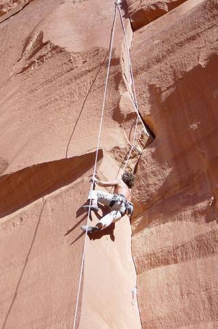 workin the arete to start the overhanging traverse move.