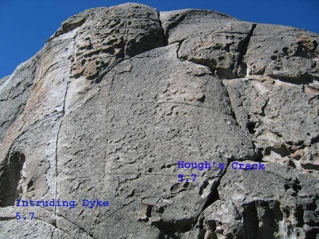 Intruding Dike and Hough's Crack on Lower Breadloaf
