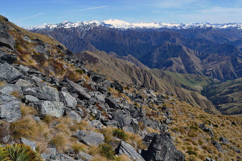 Unfolding views of the ranges to the west.