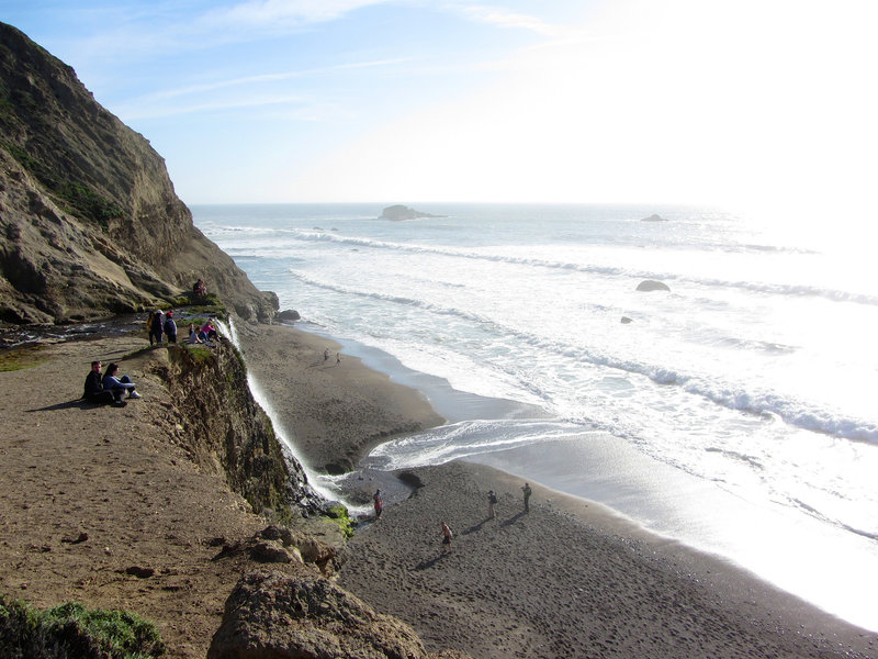 Viewpoint on the bluffs above Alamere Falls