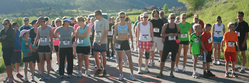 The start of the 4 mile race on Dry Park Road