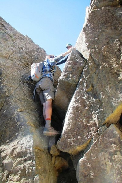 One of many notches between gullies. This is about as technical as this scramble gets.