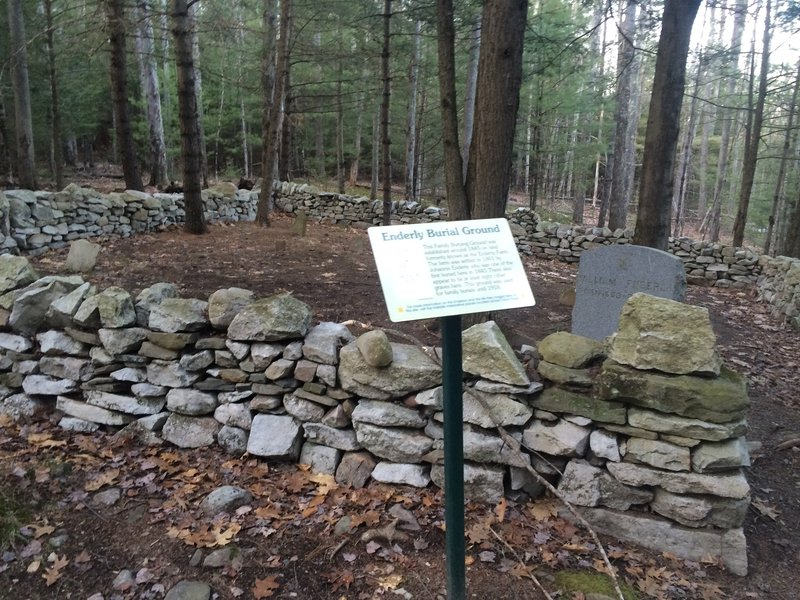 Enderly family burial plot along the High Peters Kill Trail.