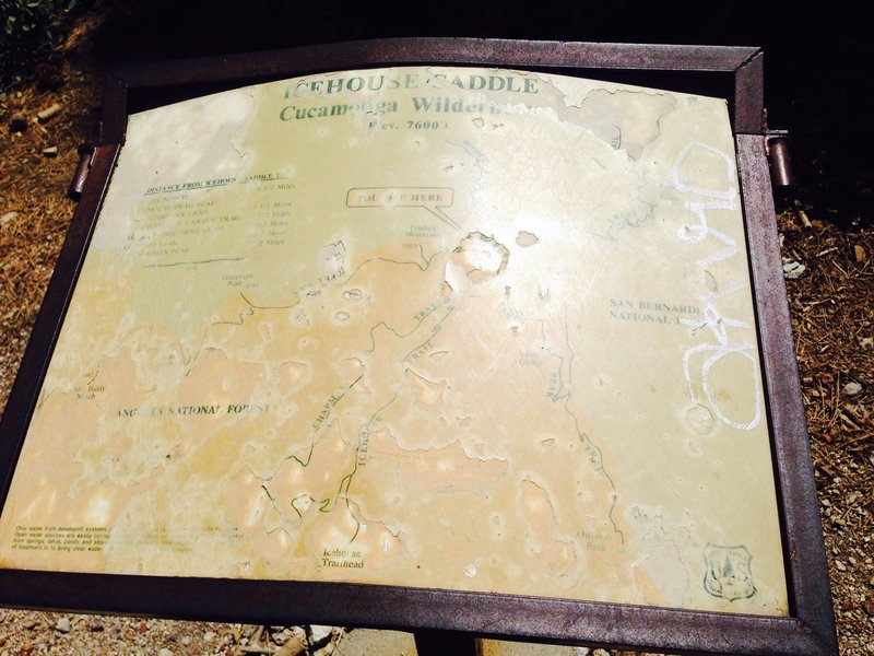 Sign at Icehouse Saddle showing potential links and spur trails.