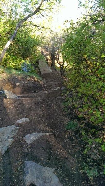 Holmes Creek Bridge, steep drop onto crossing