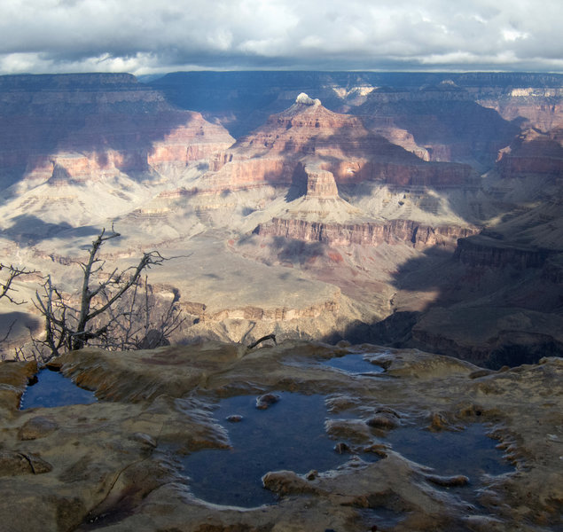 Grand Canyon Nat. Park: View from Powell Point after the rain