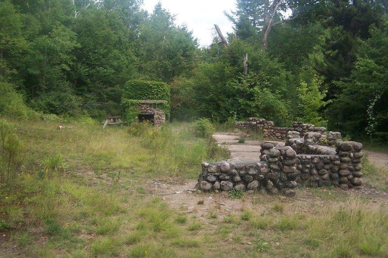 Low's Ruins.