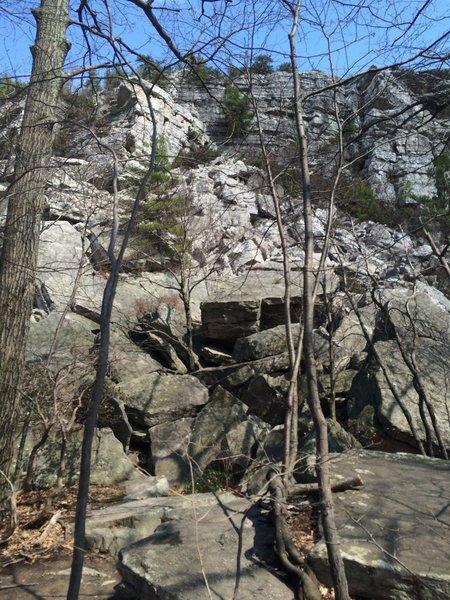 The beginning of the rock scramble to gain the ridge at Bonticou Crag