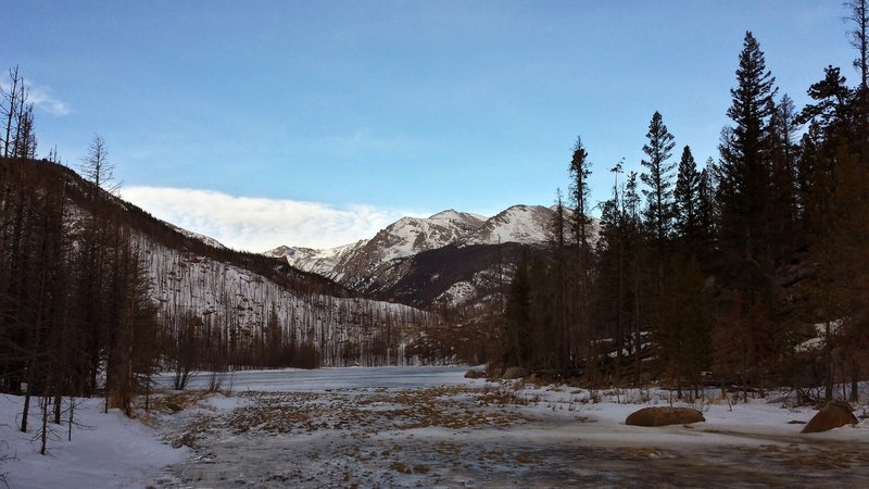 Early morning trail run to Cub Lake in February