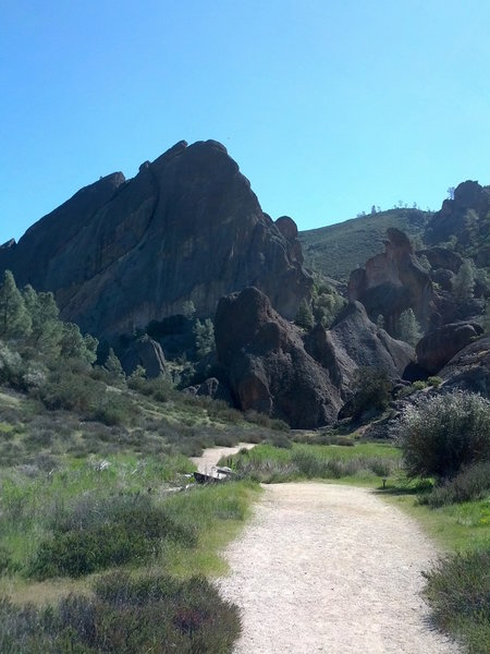 The Balconies Trail is stunning.