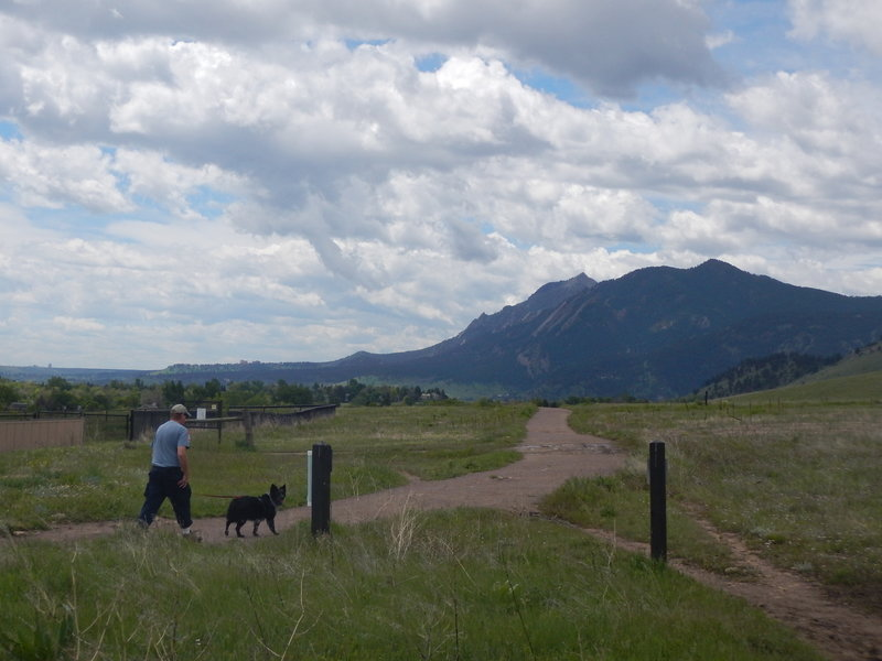 At the junction of Foothills South and Old Kiln Trails