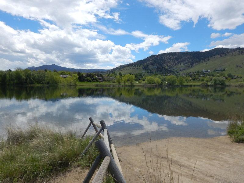 Views south from the Wonderland Lake peninsula