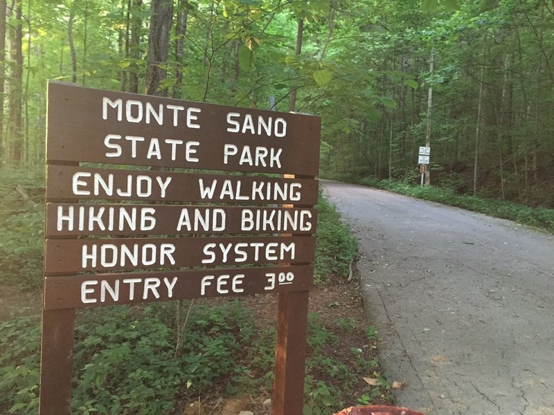 Entrance into Monte Sano State Park form the close section of Bankhead Parkway.