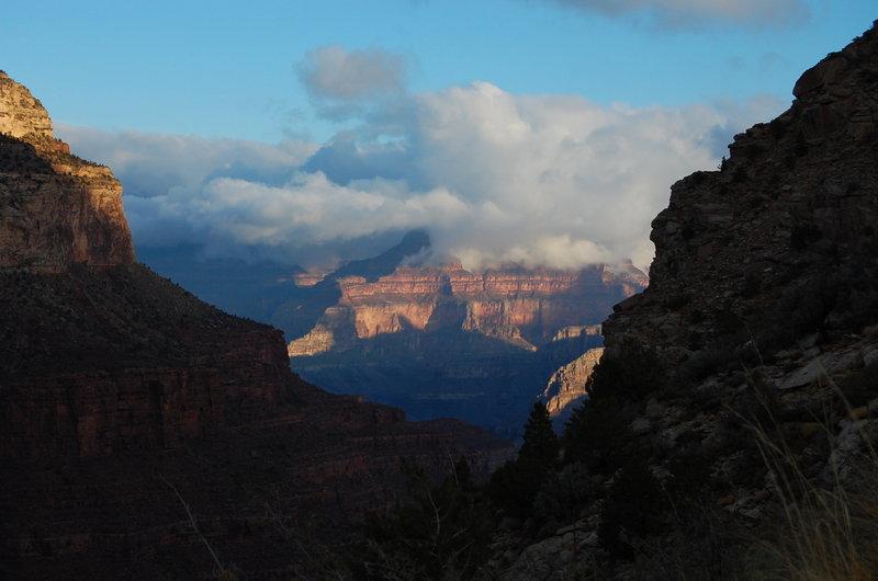 Wonderful canyon views through this cut in the rim