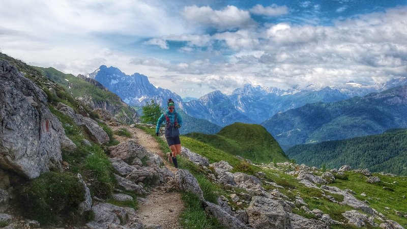 Running the rocky 452 on the way to Cinque Torri.