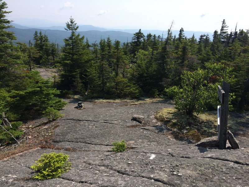 The junction between Skyland and Vistamont Trail on the summit of Gilman Mtn (photo looking east down Vistamont Trail).