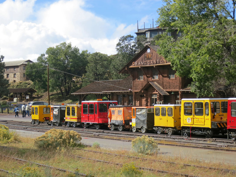 Grand Canyon National Park: Speeders at Railroad Depot