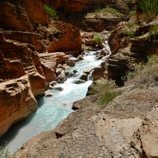 Havasu Creek colors (photo by Theilr)