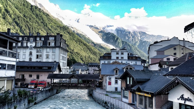 View of Chamonix and Mont Blanc from the end of the Promenade du Froi
