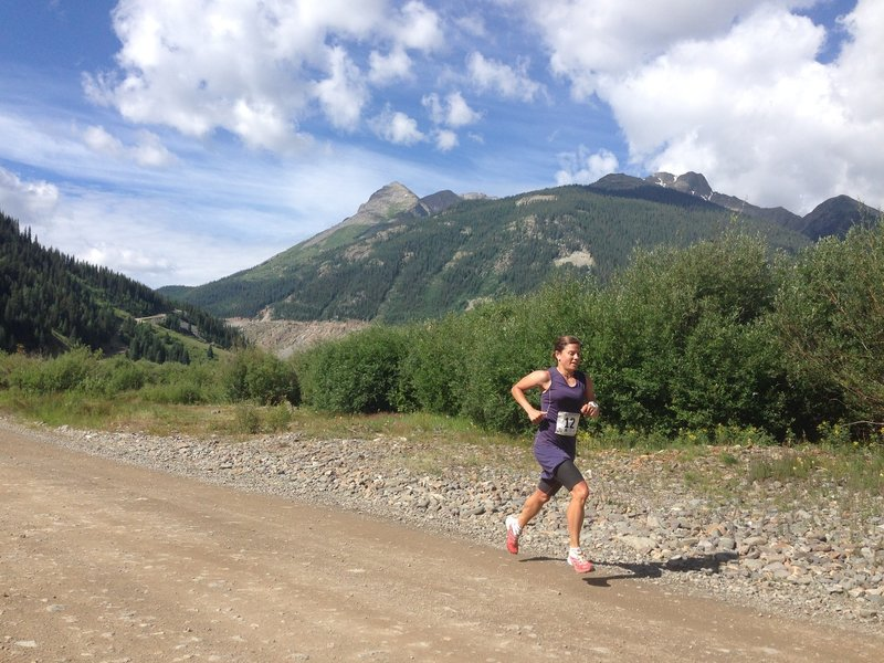Stevie Kremer lays the hammer down en route to a sizzling CR of 1:55:27 at 2015 Kendall Mountain Run.
