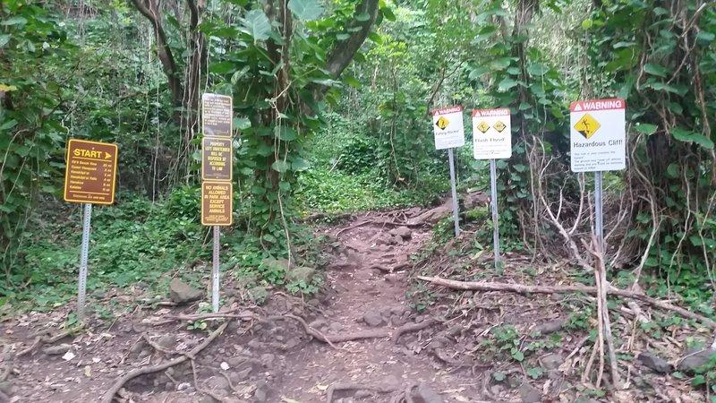 Trailhead warning signs