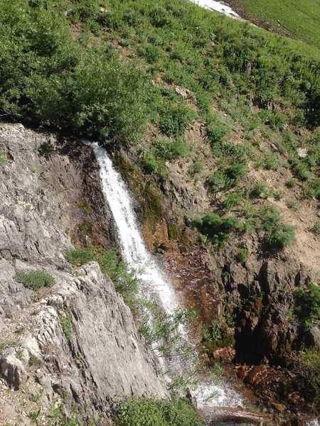 The main waterfall in High Creek Canyon that is close to the trail.