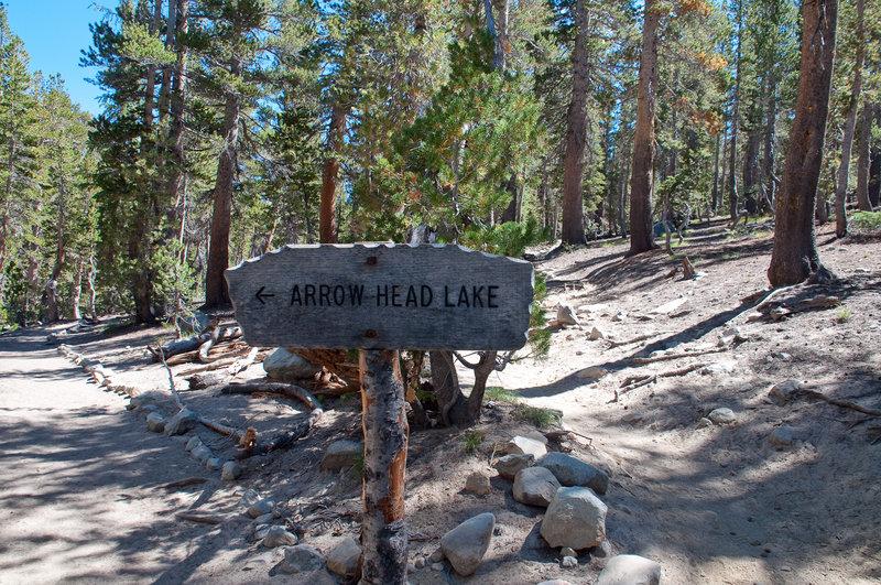 Arrow Head Lake trail sign.