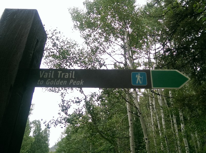 Look for this trail marker sign off Sunburst Dr to locate the eastern end of the Vail Trail