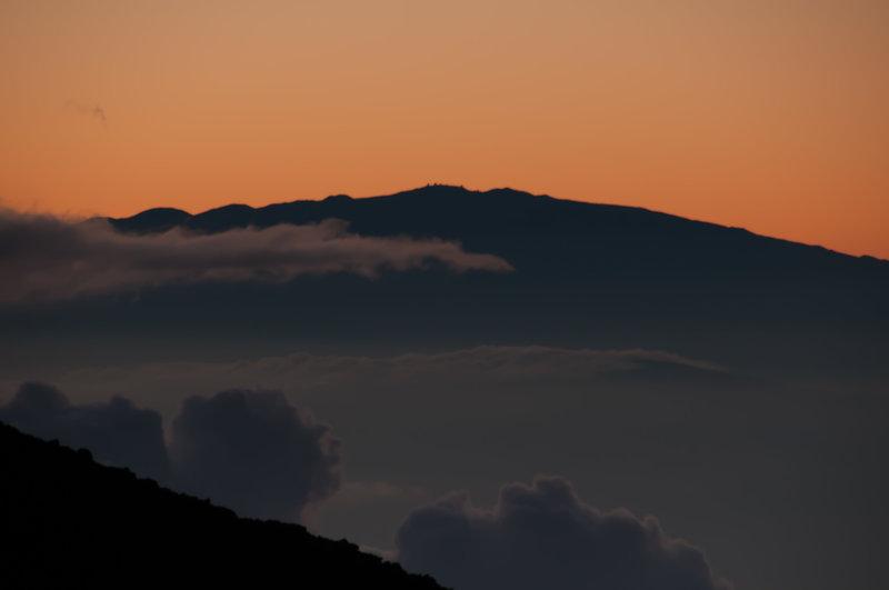 Summit to Summit - Mauna Kea Telescopes from Haleakala