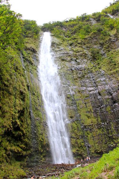400-foot tall Waimoku Falls at end of Pi