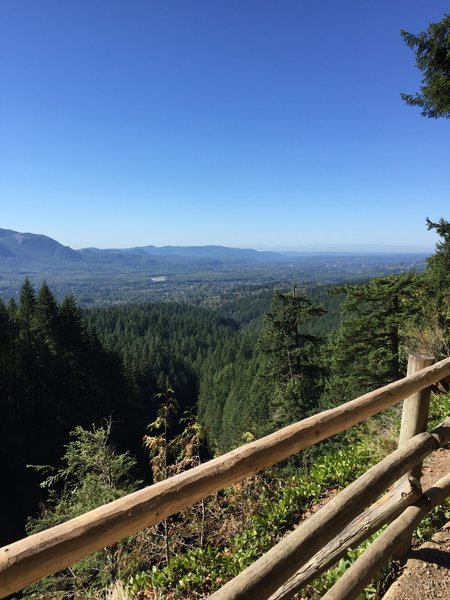 Lookout at Middle Wallace Falls.