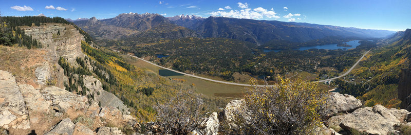 View from the Hermosa Cliffs over the Animas River Valley towards the Needles.