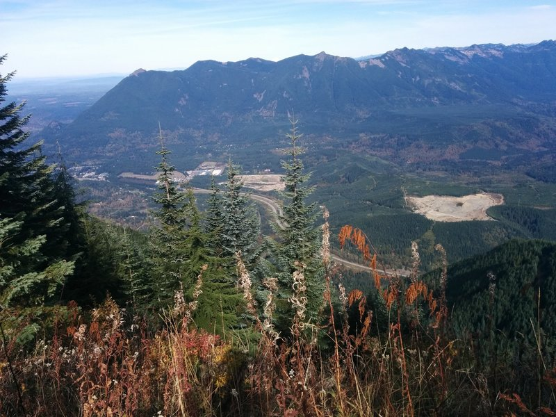 View of Mount Si to Mount Teneriffe and I-90 from the summit of Mount Washington.