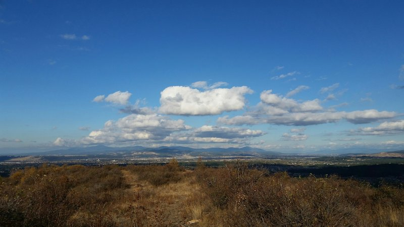 Spectacular views from many spots along the Iller Creek Trail!